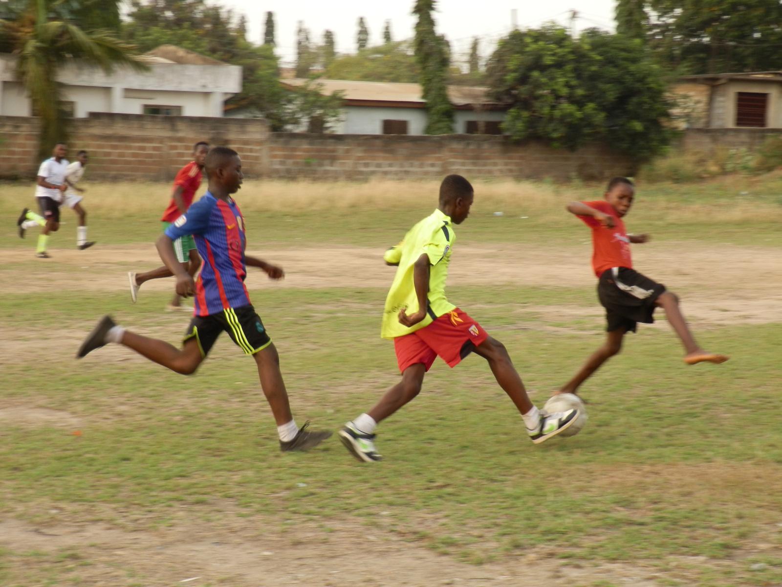 Fußball, der Garant für gute Laune bei den Kids