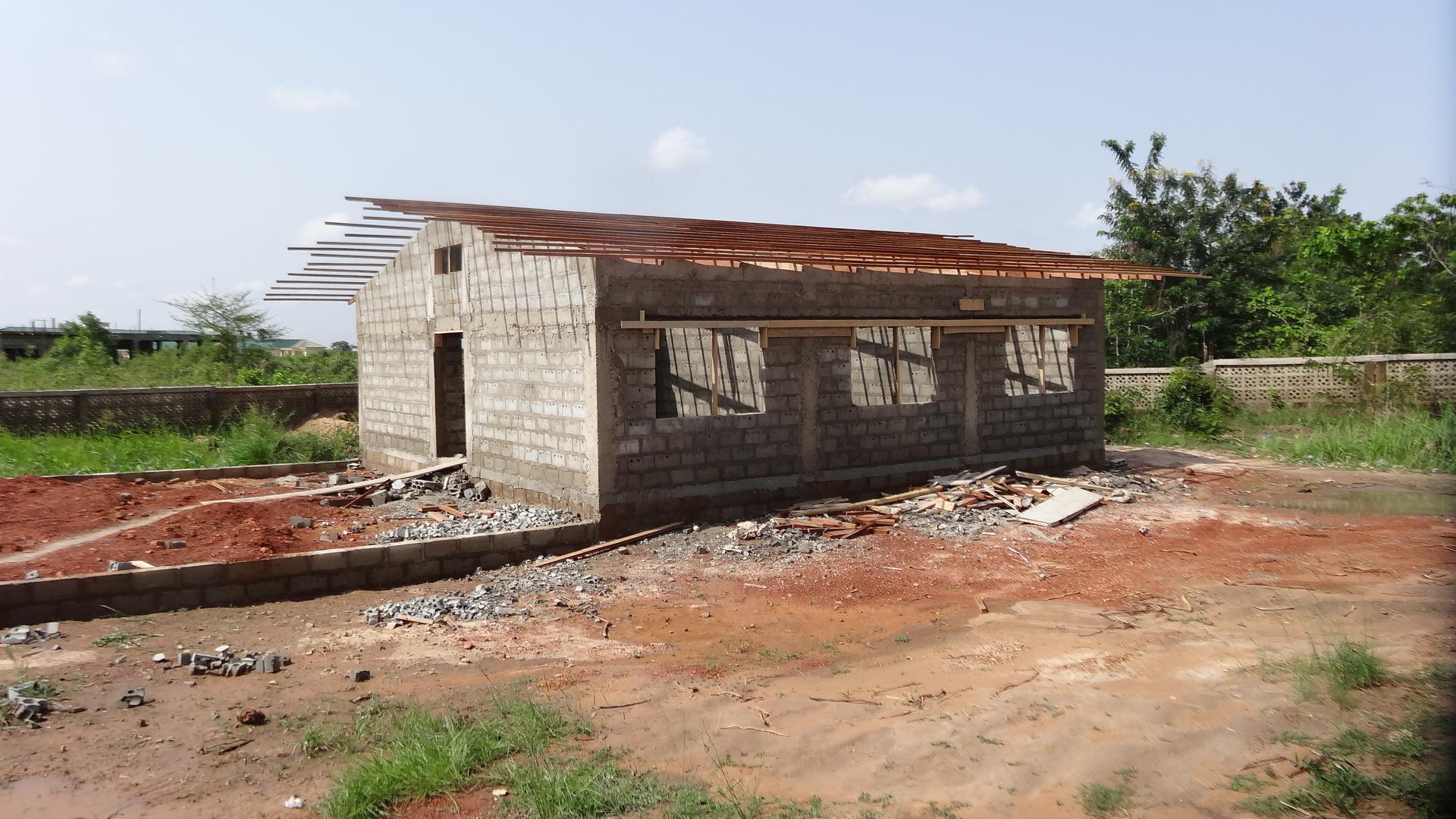 Erster Ausbau 2013 - Natürlich bekommen die Häuser auch ein Dach