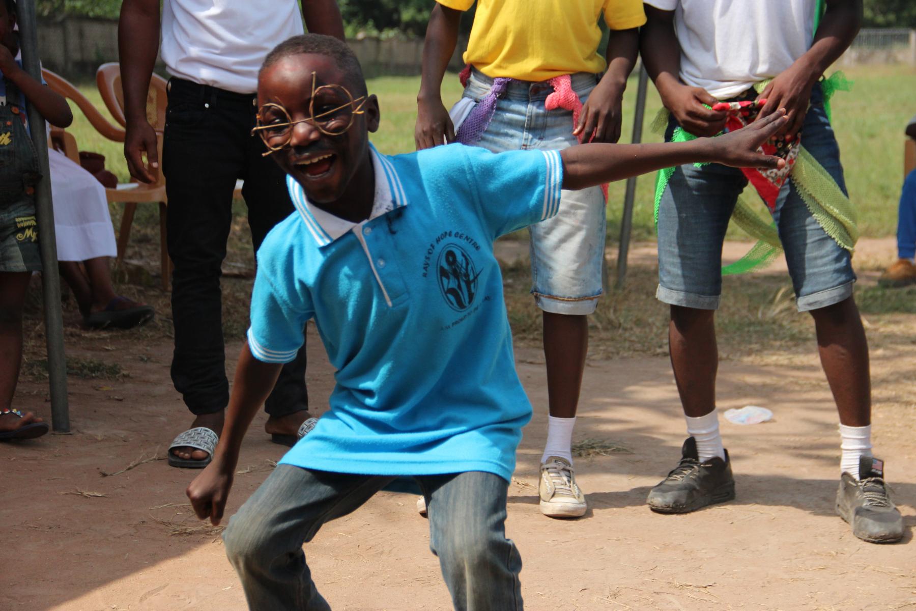 Besonders viel Spaß haben die Kinder und Jugendlichen beim Tanzen